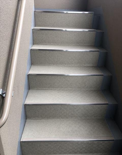 きれいに清掃された階段:管理状況から見る失敗しないお部屋探し